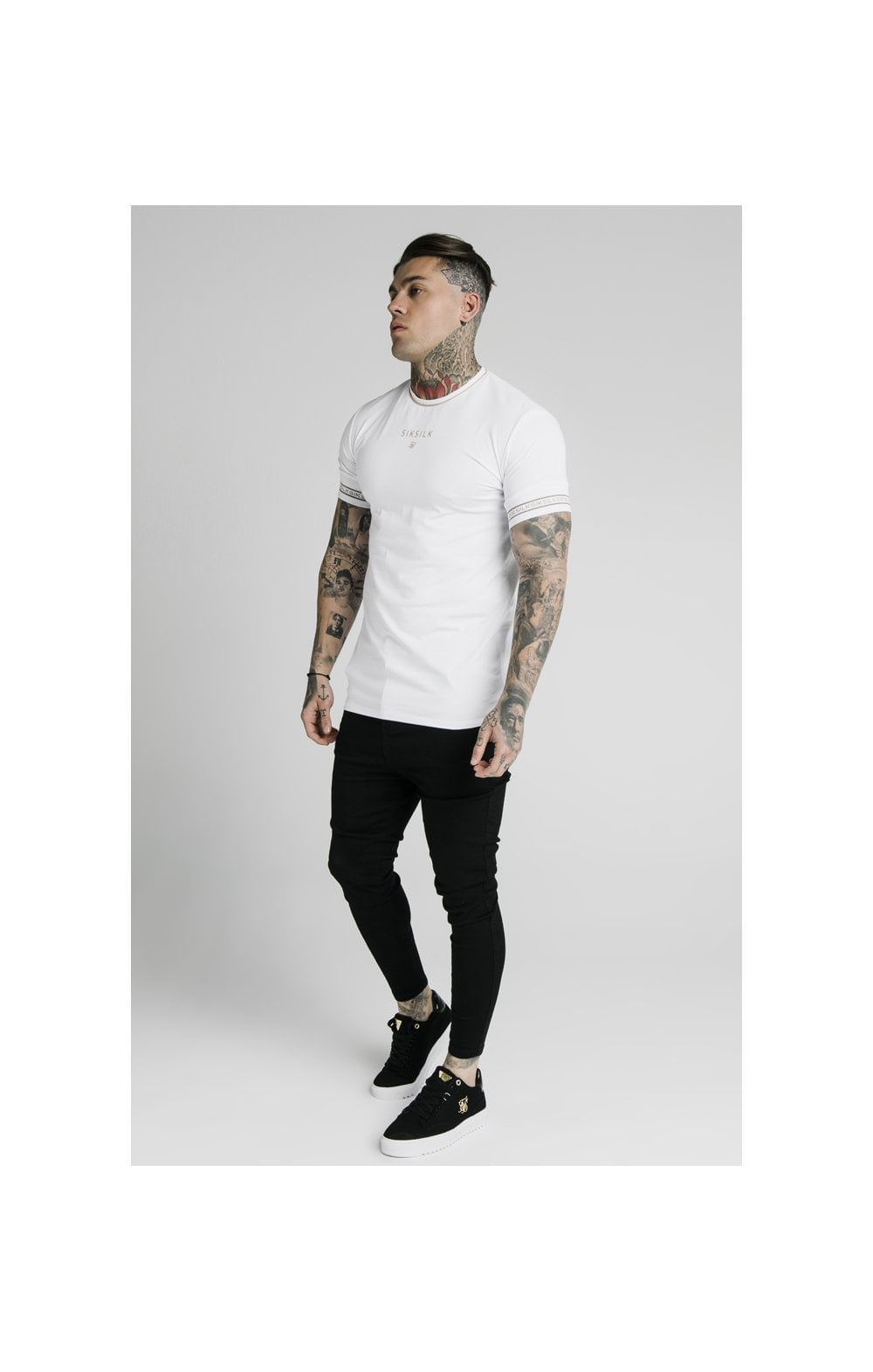 Load image into Gallery viewer, SikSilk Element Straight Hem Gym Tee – White & Gold (4)