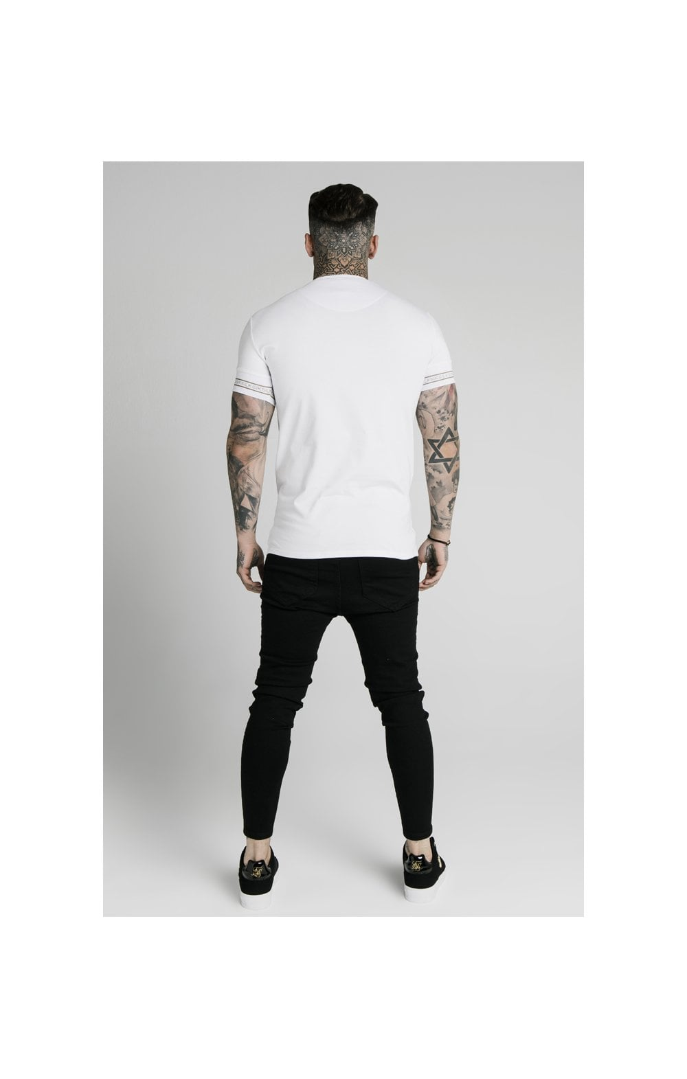 Load image into Gallery viewer, SikSilk Element Straight Hem Gym Tee – White & Gold (5)