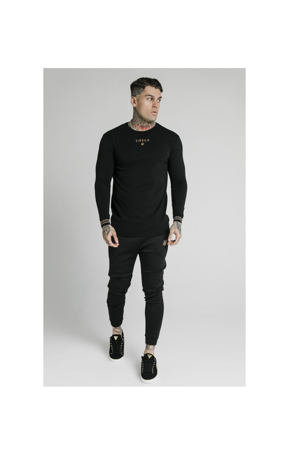 Load image into Gallery viewer, SikSilk Element L/S Straight Hem Gym Tee – Black & Gold (2)
