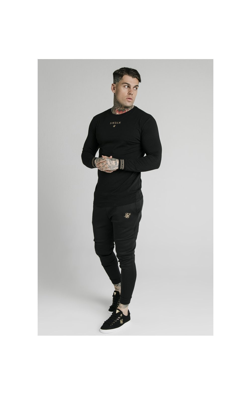 Load image into Gallery viewer, SikSilk Element L/S Straight Hem Gym Tee – Black & Gold (3)