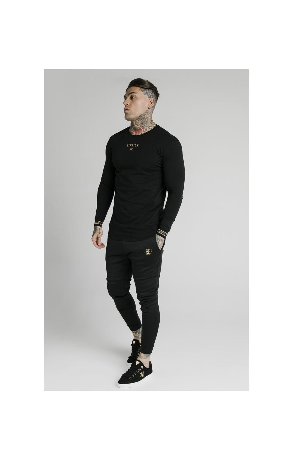 Load image into Gallery viewer, SikSilk Element L/S Straight Hem Gym Tee – Black & Gold (4)