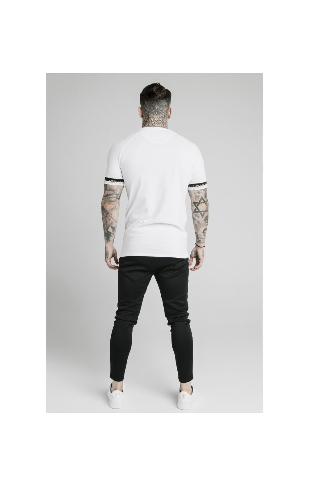 Load image into Gallery viewer, SikSilk S/S Deluxe Raglan Tech Tee - White (4)