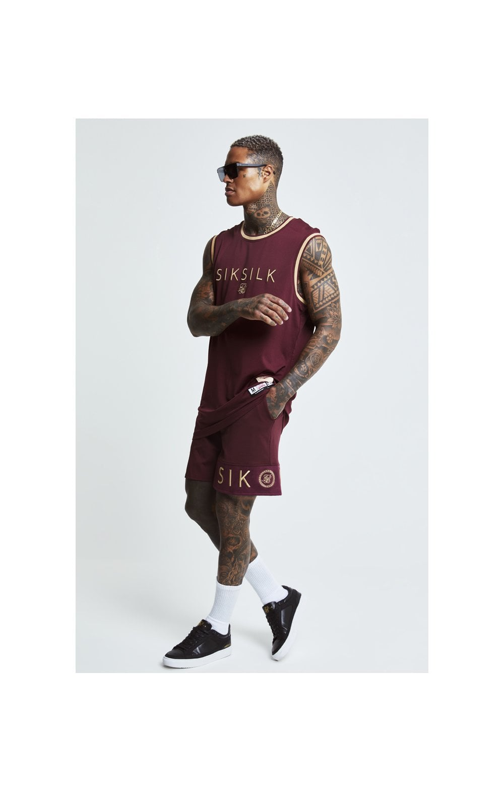 Load image into Gallery viewer, SikSilk Signature Eyelet Basketball Vest - Burgundy & Gold (2)