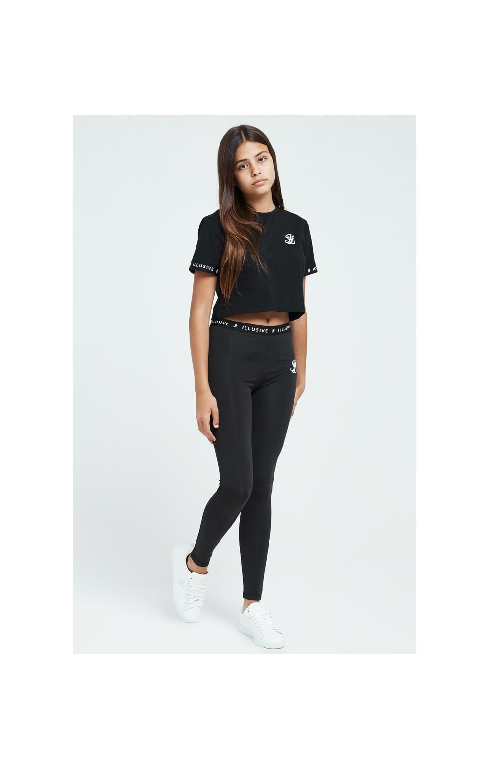 Load image into Gallery viewer, Illusive London Core Crop Tee - Black (3)