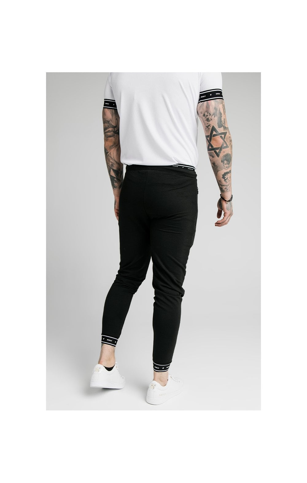 SikSilk Active Muscle Fit Jogger - Black (1)