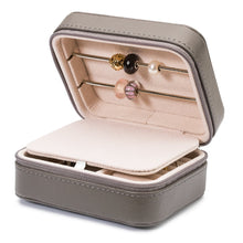 Afbeelding in Gallery-weergave laden, Trollbeads Travel Jewellery Box Grey