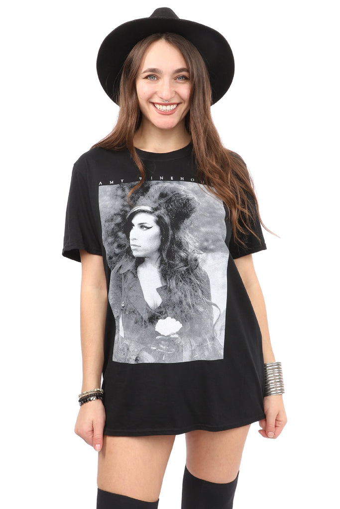 Amy Winehouse T-Shirt - Flower Portrait - Black