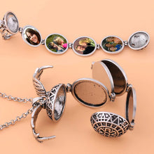 Load image into Gallery viewer, Expanding Photo Locket - Lox Jewels