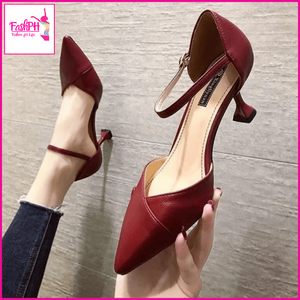 Mila pointed shoes