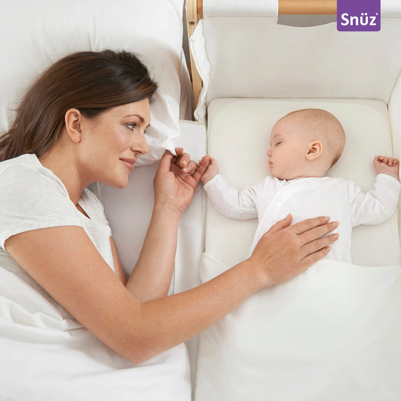 SNUZPOD MATTRESS PROTECTOR ON SNUZ CRIB