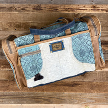 Load image into Gallery viewer, Dolly Duffle Bag