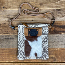 Load image into Gallery viewer, The Freya Crossbody Bag