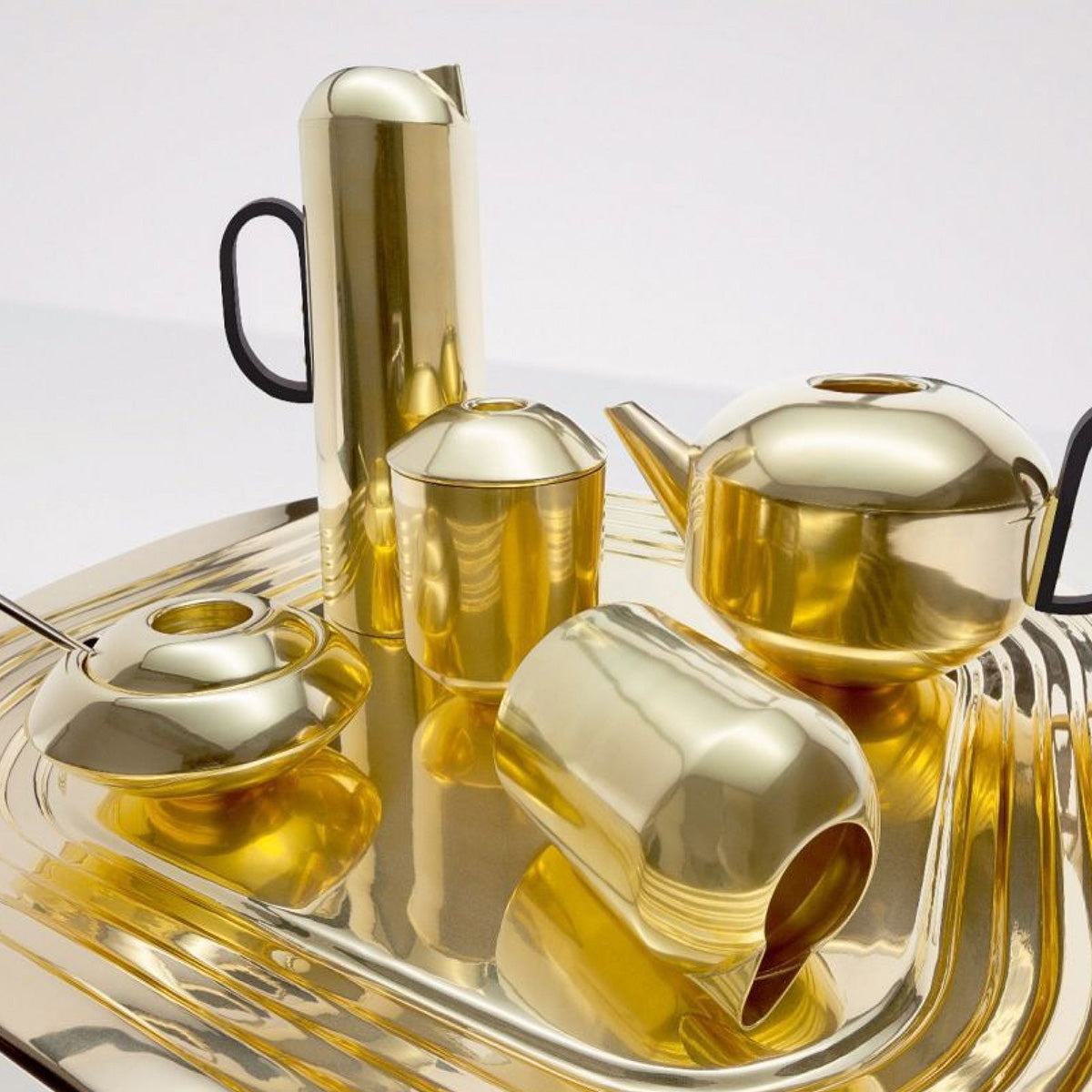 Tom Dixon Form Teapot 750ml Brass
