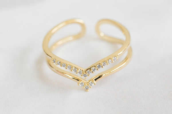 Adjustable CZ V Ring