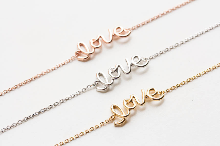 Love Lettering Necklace-ft