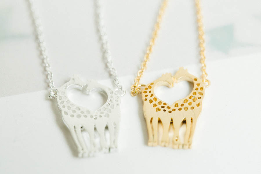 2 Giraffe Necklace-kt
