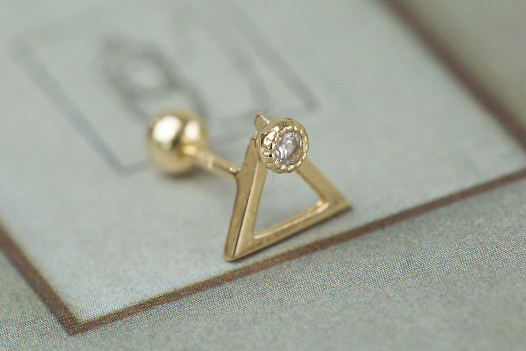 14k Gold  CZ triangle Piercing-R