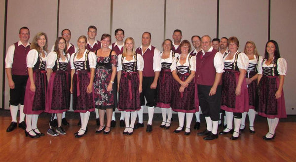 custom dirndls for groups