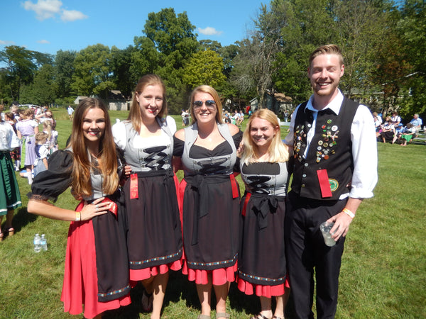 dance group dirndl