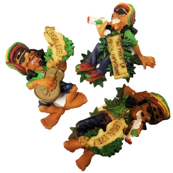JAMAICAN SMOKING FIGURE WITH MAGNET