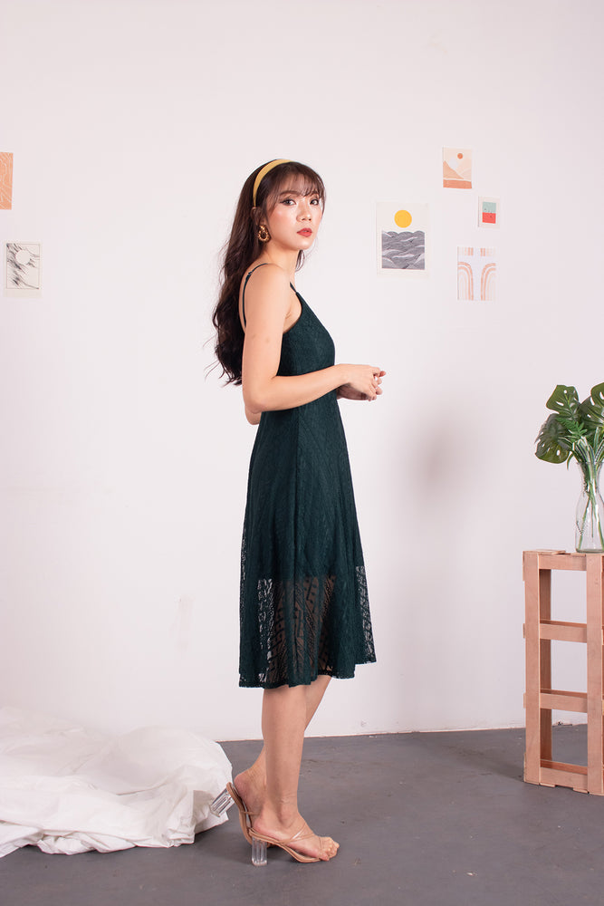 Load image into Gallery viewer, *PREMIUM* - Yenilia Cami Spag Dress in Emerald Green - Self-Manufactured by LBRLABEL