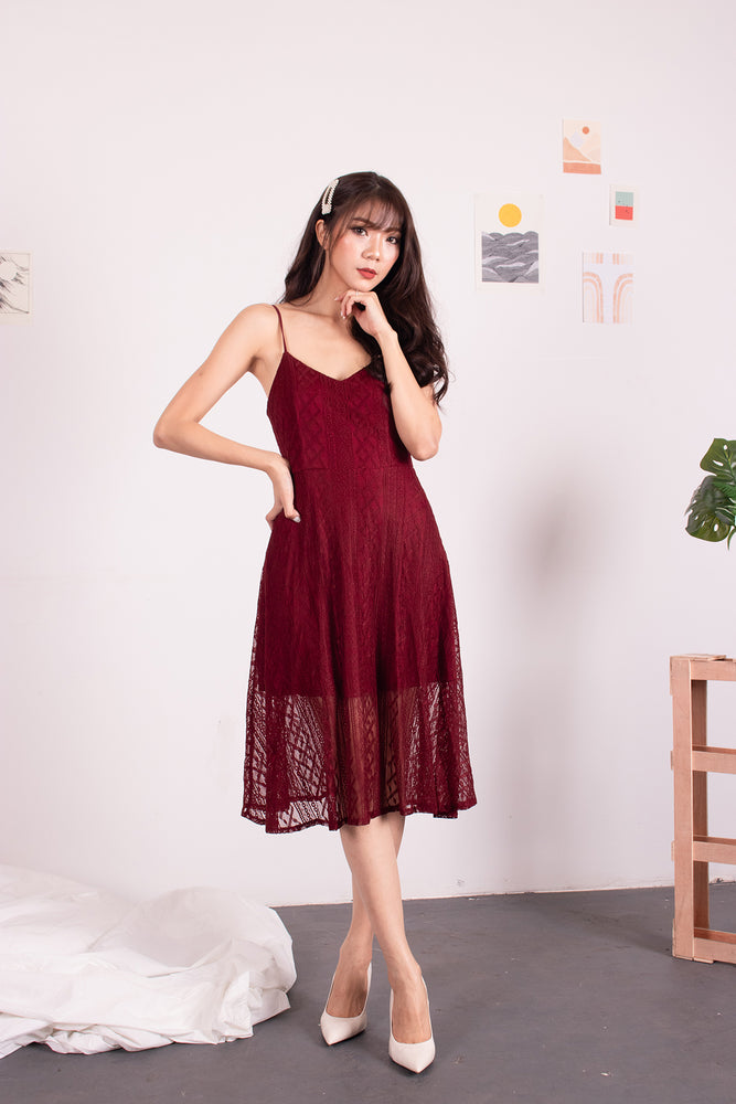 Load image into Gallery viewer, *PREMIUM* - Yenilia Cami Spag Dress in Burgundy - Self-Manufactured by LBRLABEL