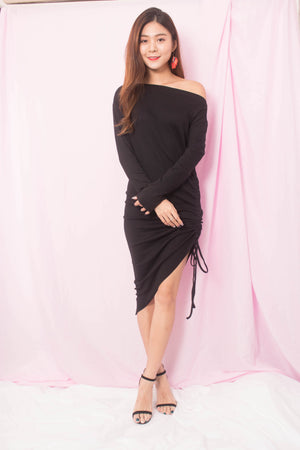 Tehalle Offsie Dress in Black