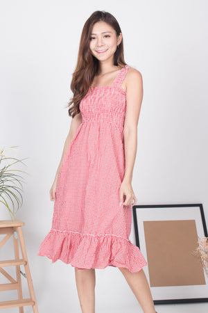 Gina Gingham Dress in Red