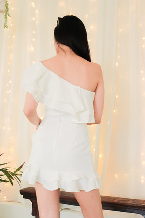 Load image into Gallery viewer, * PREMIUM * - Celeslia Ruffles Toga Top in White - Self Manufactured by LBRLABEL only