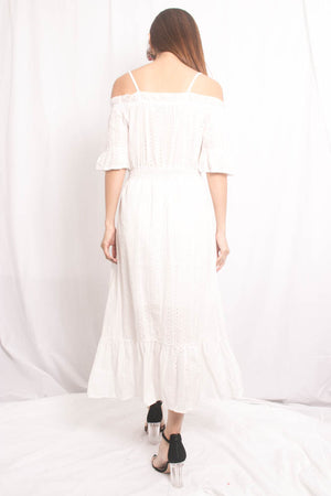 Eilra Offsie Dress in White
