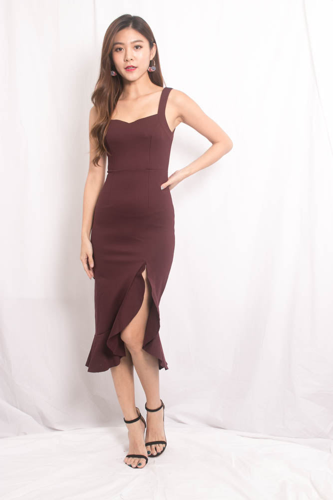 Load image into Gallery viewer, *PREMIUM * JODILIA MERMAID DRESS IN BURGUNDY - SELF MANUFACTURED BY LBRLABEL