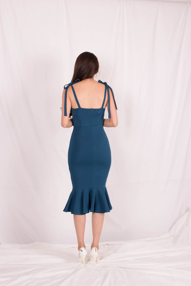 Load image into Gallery viewer, *PREMIUM* - Maelia Mermaid Dress in Teal