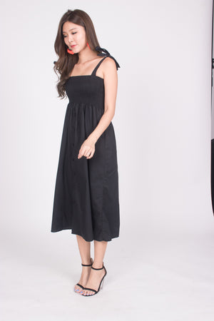 Fionni Midi Dress in Black