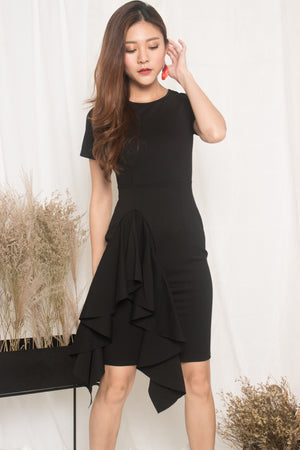 *PREMIUM* - Earilia Sleeved Flutter Dress in Black - LBRLABEL MANUFACTURED