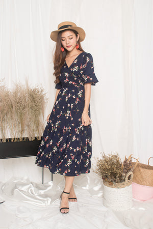 Sassy Island Floral Dress In Navy