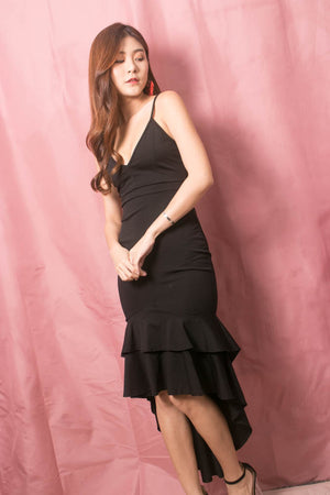 Load image into Gallery viewer, * LUXE * Rosalie Fishtail Dress in Black