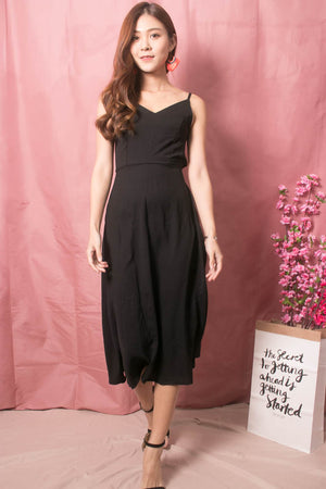Load image into Gallery viewer, Veron Ribbon Back Midi Dress in Black