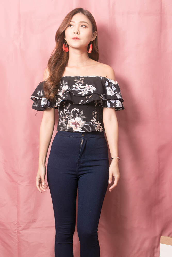 Load image into Gallery viewer, Luisee Floral 3 Ways Top in Black