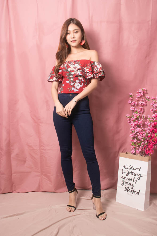 Load image into Gallery viewer, Luisee Floral 3 Ways Top in Red