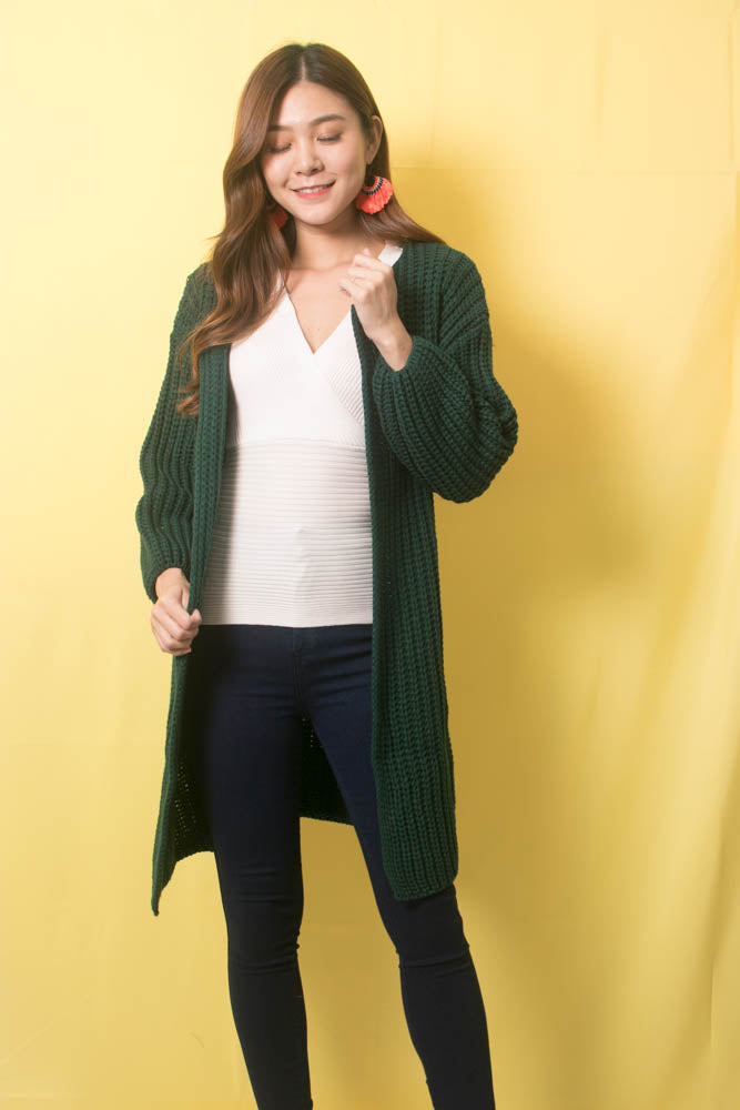 Load image into Gallery viewer, Sora Oversized Knit Outerwear in Emerald Green