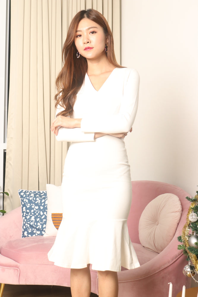 Load image into Gallery viewer, *LUXE* Angerila Mermaid Sleeved Dress in White