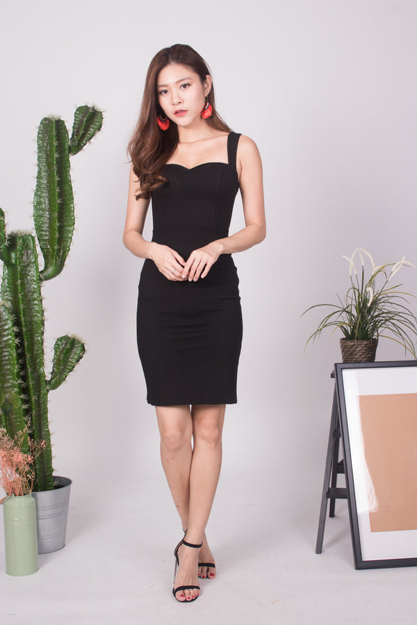 (BO) *PREMIUM * - IVILIA MIDI DRESS IN BLACK - LBRLABEL SELF MANUFACTURED