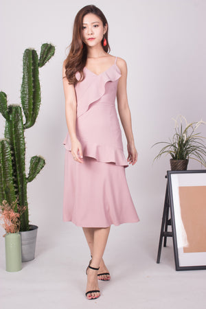 Serahlyn Flutter Midi Dress in Pink
