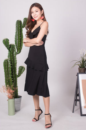 Load image into Gallery viewer, Serahlyn Flutter Midi Dress in Black