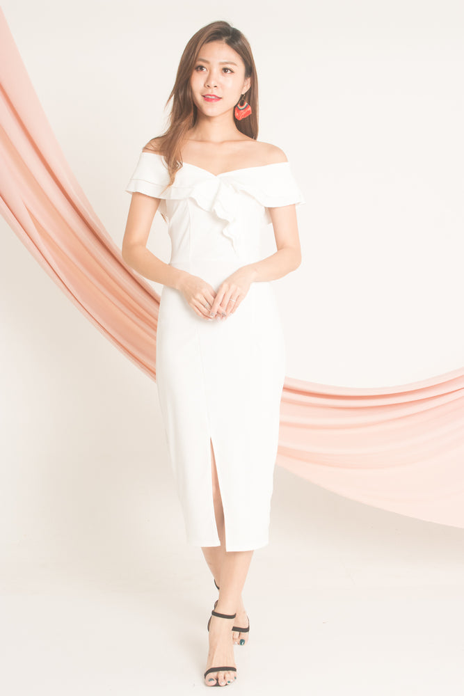 Helna Offsie Dress in White