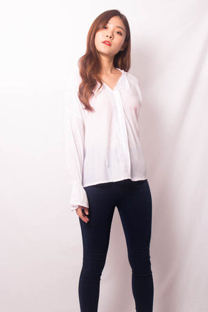 Nera Basic Sleeved Top in White