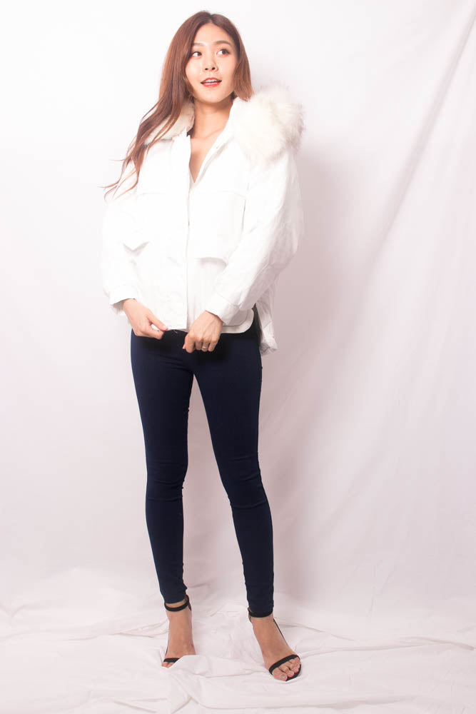 Load image into Gallery viewer, * LUXE * Elgine Fur Coat in White