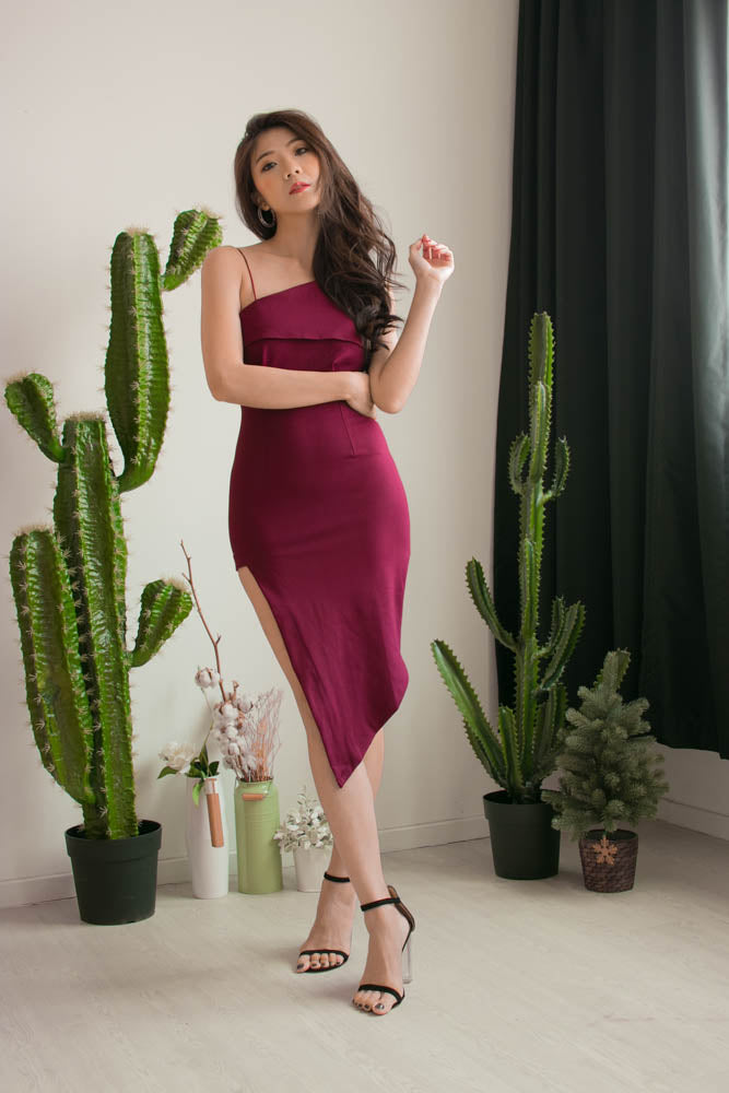 Load image into Gallery viewer, * PREMIUM * Alexilia Asymmetrical Dress in Burgundy - Self Manufactured by LBRLABEL