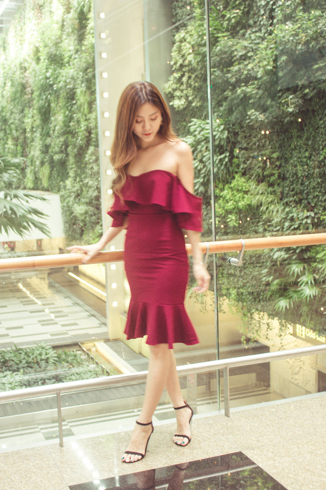 Load image into Gallery viewer, * PREMIUM* - Eleolia Bustier Offsie Dress in Burgundy - LBRLABEL MANUFACTURED