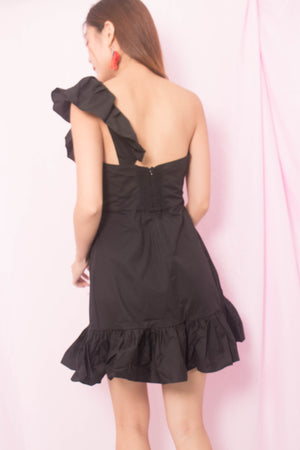 Load image into Gallery viewer, Yvonie Toga Flutter Dress in Black